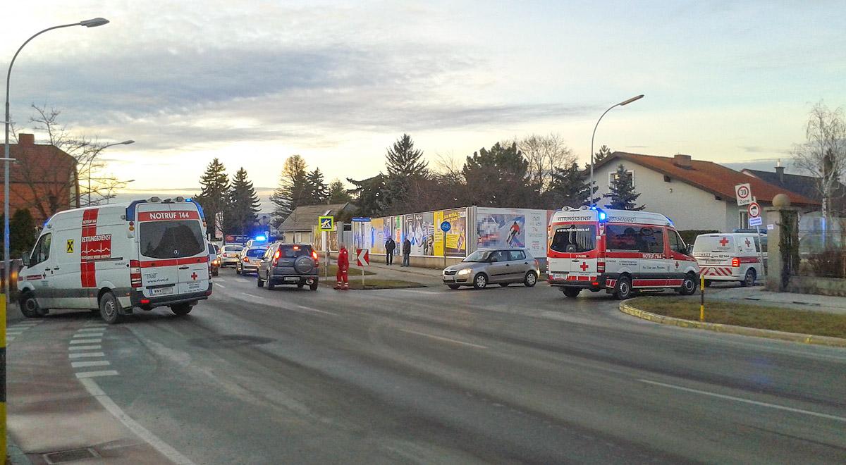 Auffahrunfall in Wiener Neustadt / Foto: RKNOE / T.Hackl