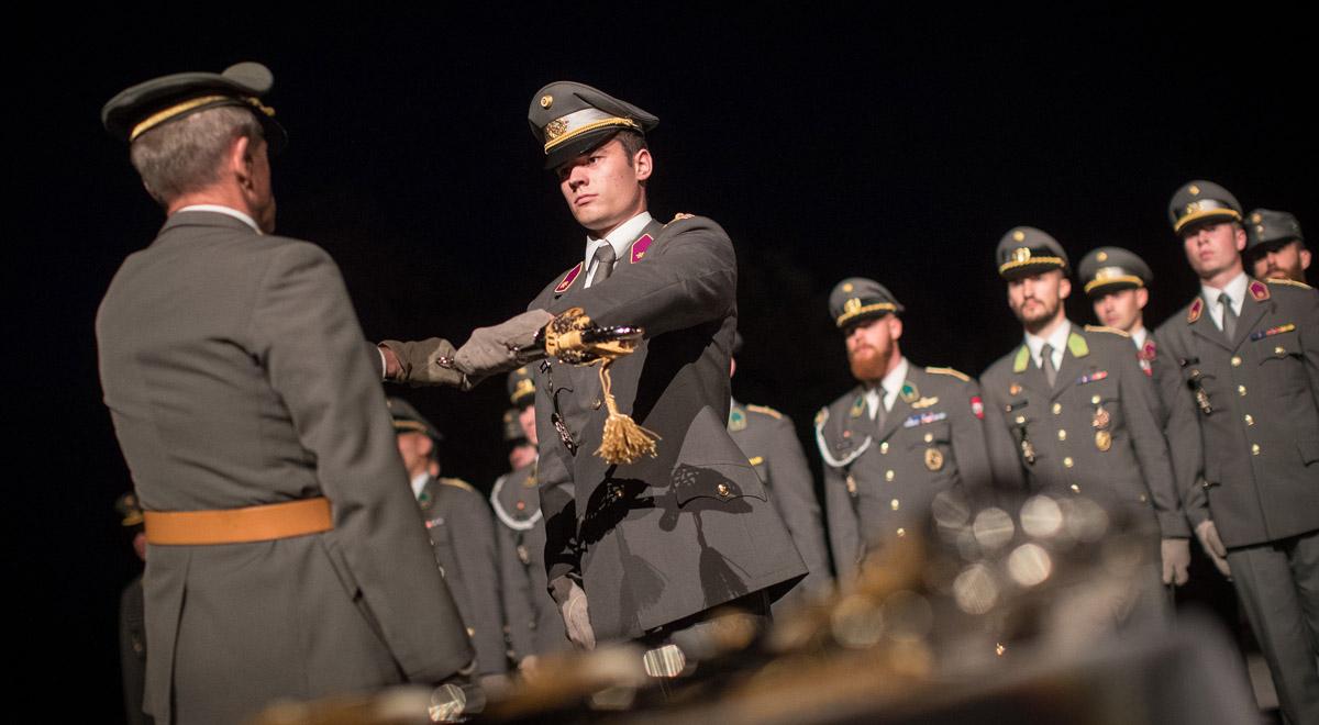 Ausmusterung der Offiziere / Foto: Bundesheer / Daniel TRIPPOLT
