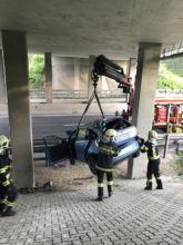 Bergung mit Kran / Foto: Presseteam d. FF Wr. Neustadt