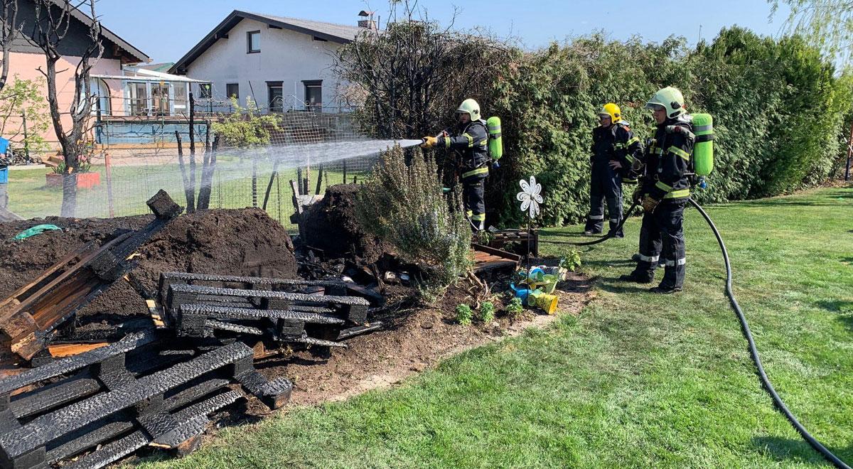 Brand im Garten / Foto: Presseteam ffwrn.at
