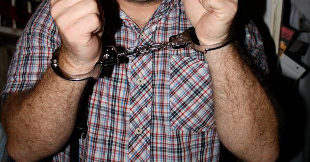 Foto: Festnahme, Handschellen