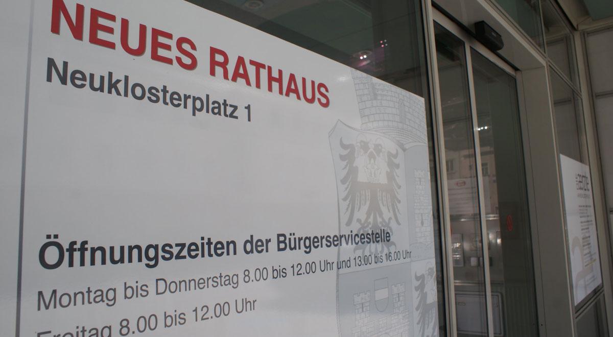Eingang neues Rathaus / Foto: wn24
