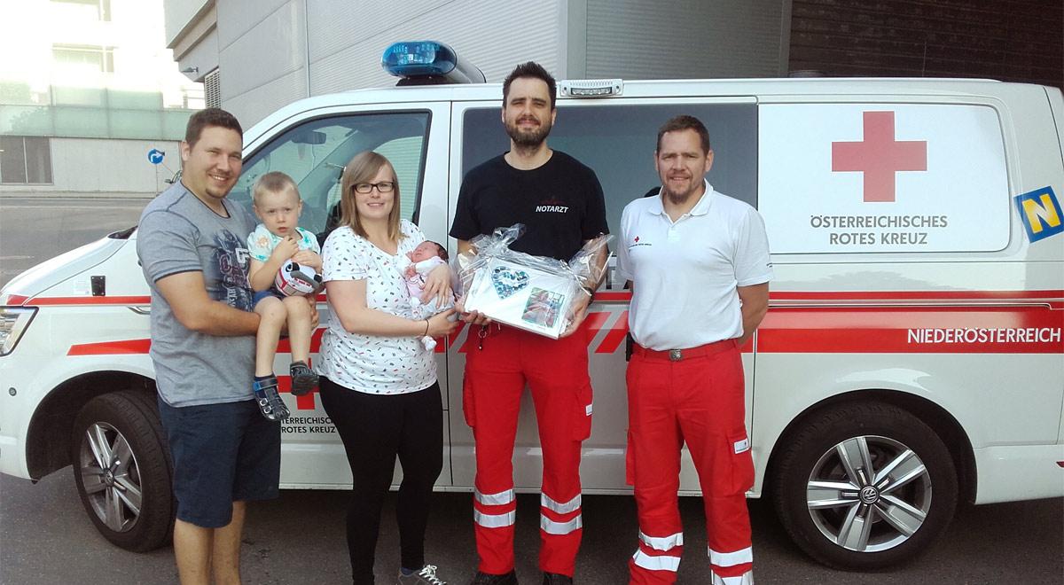 Geburt im Rettungsauto / Foto: RKNÖ / T.Hackl
