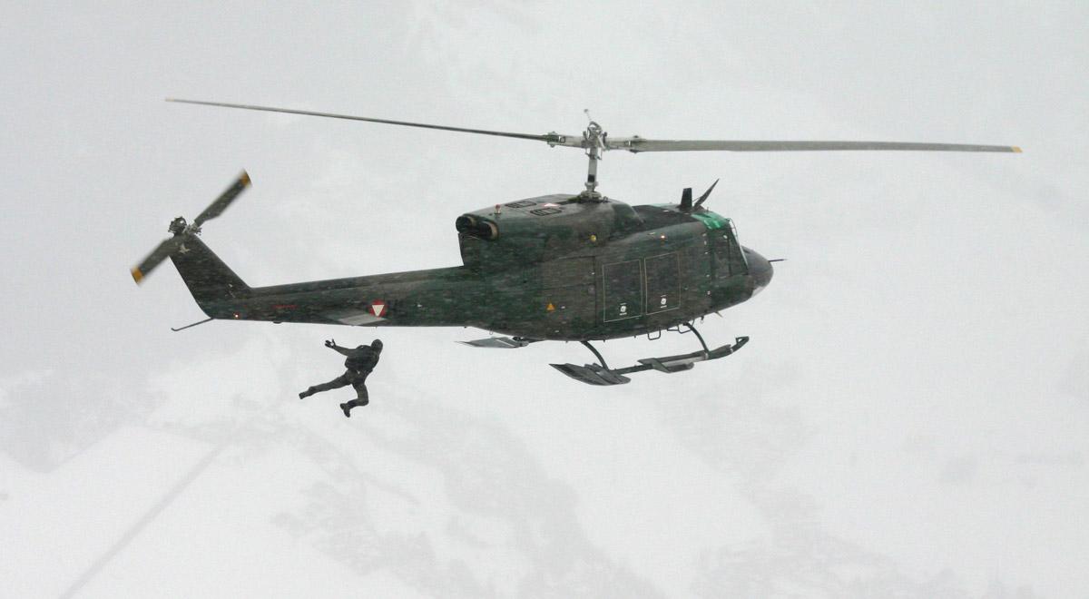 Fallschirmsprung aus dem Hubschrauber / Foto: Bundesheer