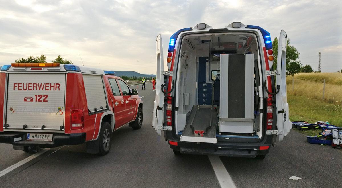 Feuerwehr und Notarzt / Foto: Presseteam Feuerwehr Wiener Neustadt