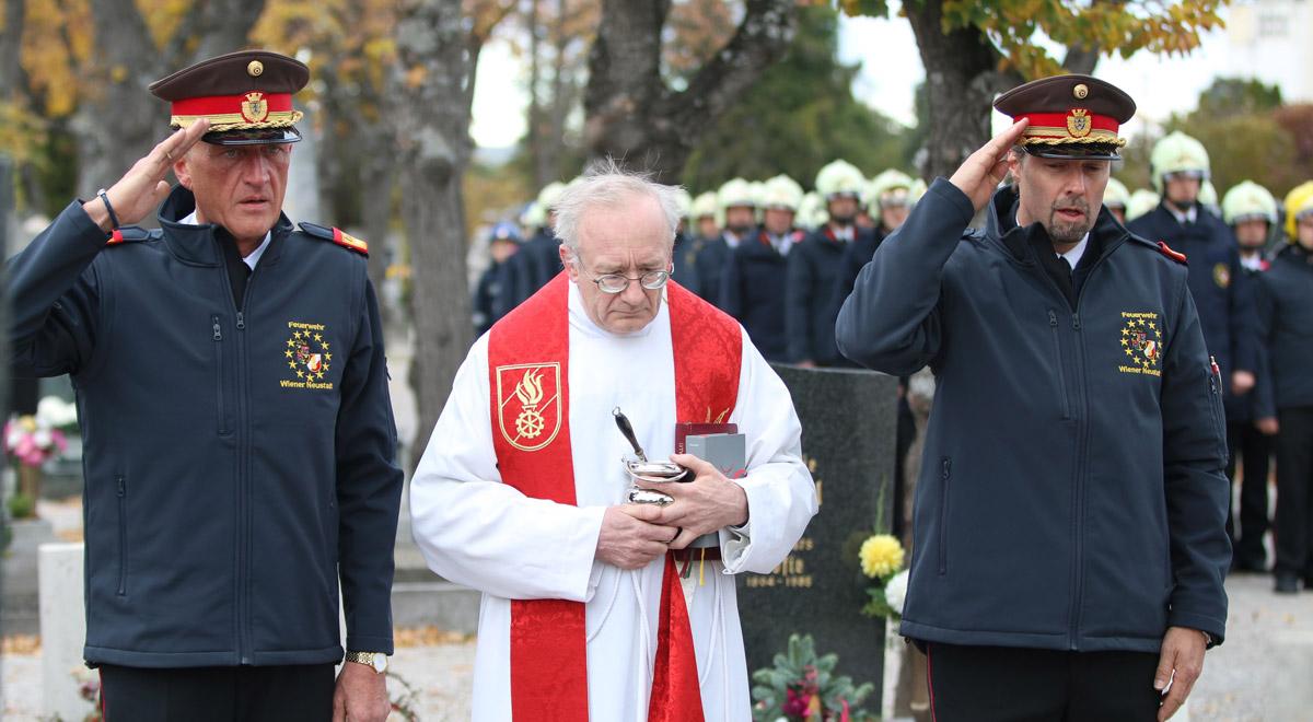 Feuerwehr Friedhofsgang / Foto: Presseteam Feuerwehr Wiener Neustadt