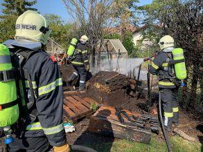 Feuerwehreinsatz im Garten / Foto: Presseteam ffwrn.at
