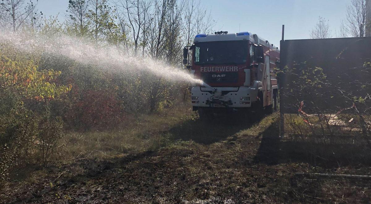 Flurbrand Löscharbeiten / Foto: Presseteam der Feuerwehr Wiener Neustadt