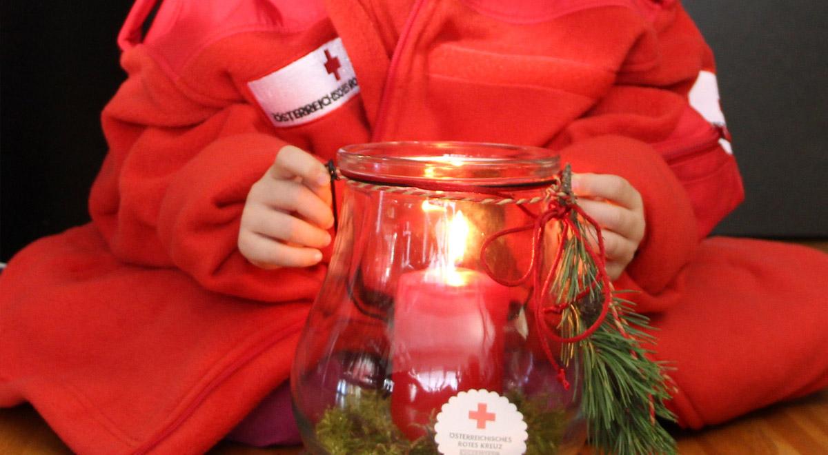 Friedenslicht Rotes Kreuz / Foto: RKVbg / lpr