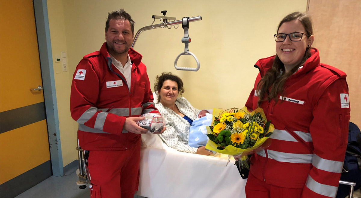 Geburt im Rettungswagen / Foto: Rotes Kreuz Wr. Neustadt