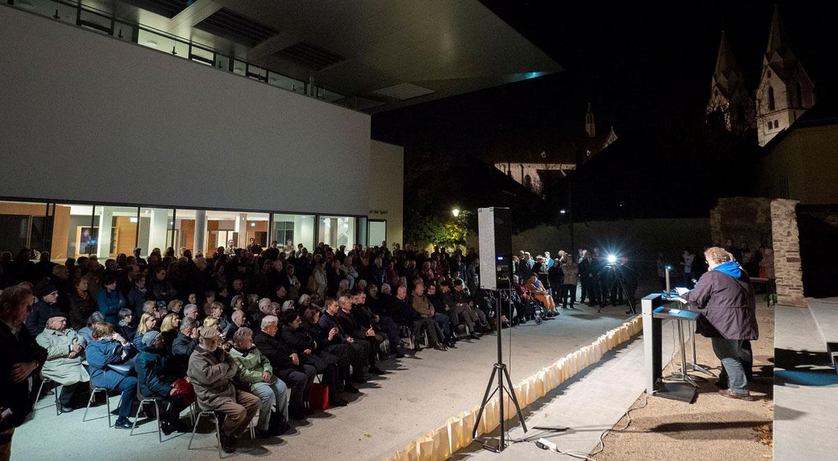Gedenkveranstaltung Novemberpogrome in Wr. Neustadt / Foto: Wiener Neustadt/Weller