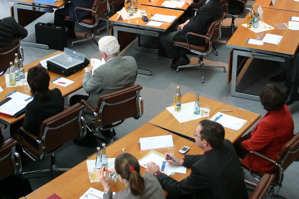 Gemeinderatssitzung / ©  Uwe Steinbrich / pixelio.de