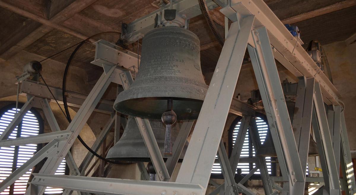 Glockenturm St. Georgs Kathedrale / Foto: © Claus/TherMilAk