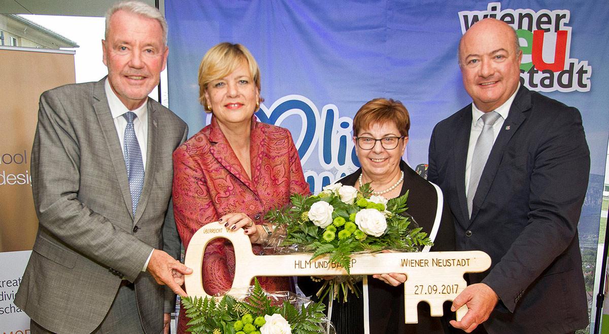 HLM-BAfEP Schlüsselübergabe / Foto: Wiener Neustadt/Weller