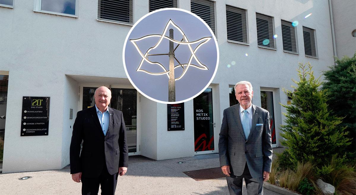 Lichtzeichen am Standort der ehemaligen Synagoge / Foto: Stadt Wiener Neustadt/Weller, ©Jüdisches Museum Wien/Lukas Kaufmann