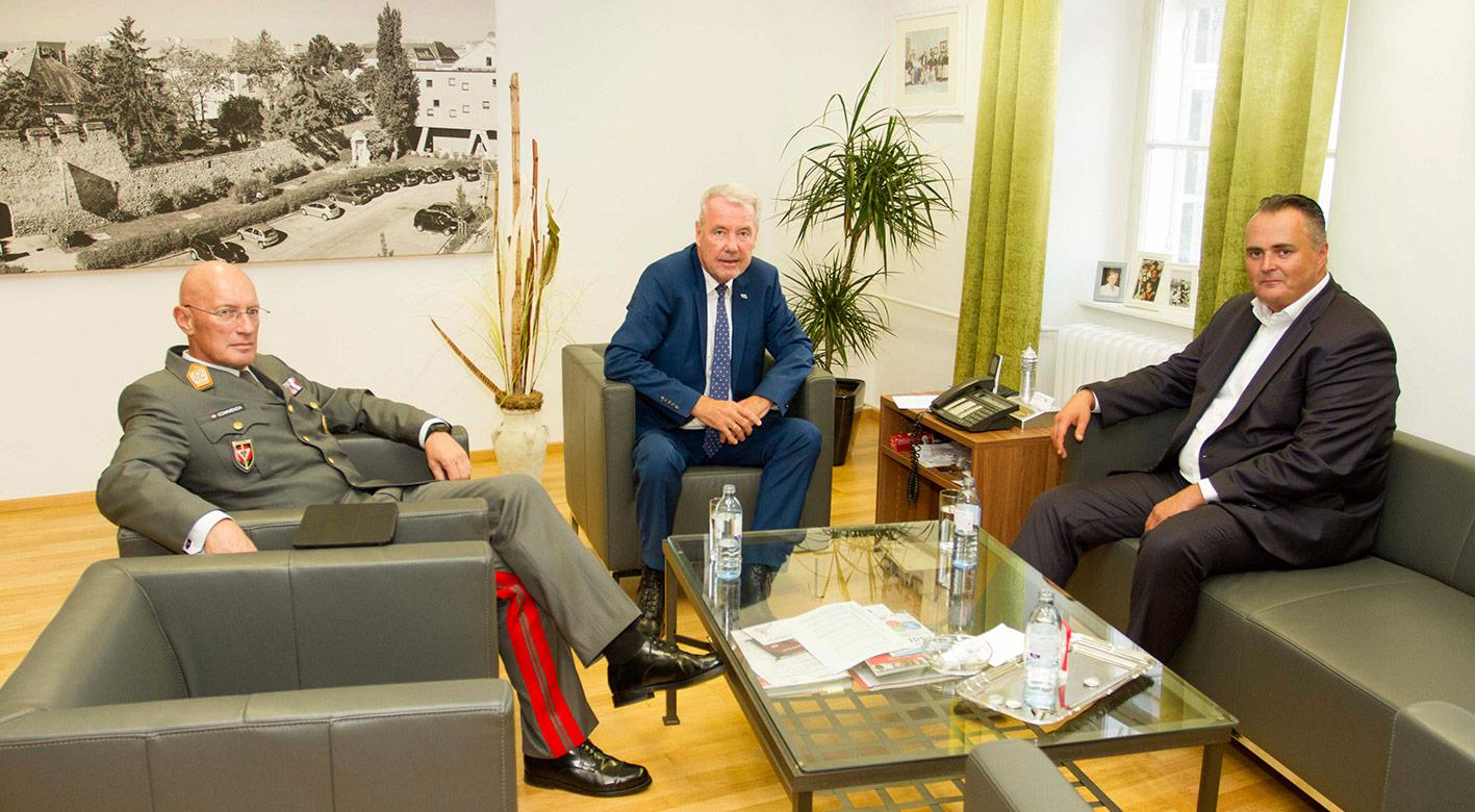 Bundesminister Doskozil / Foto: Wiener Neustadt/Weller