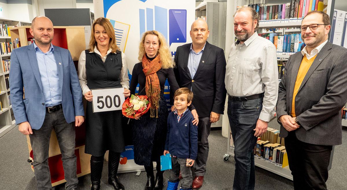 500. Neukundin / Foto: © Stadt Wiener Neustadt/Pürer