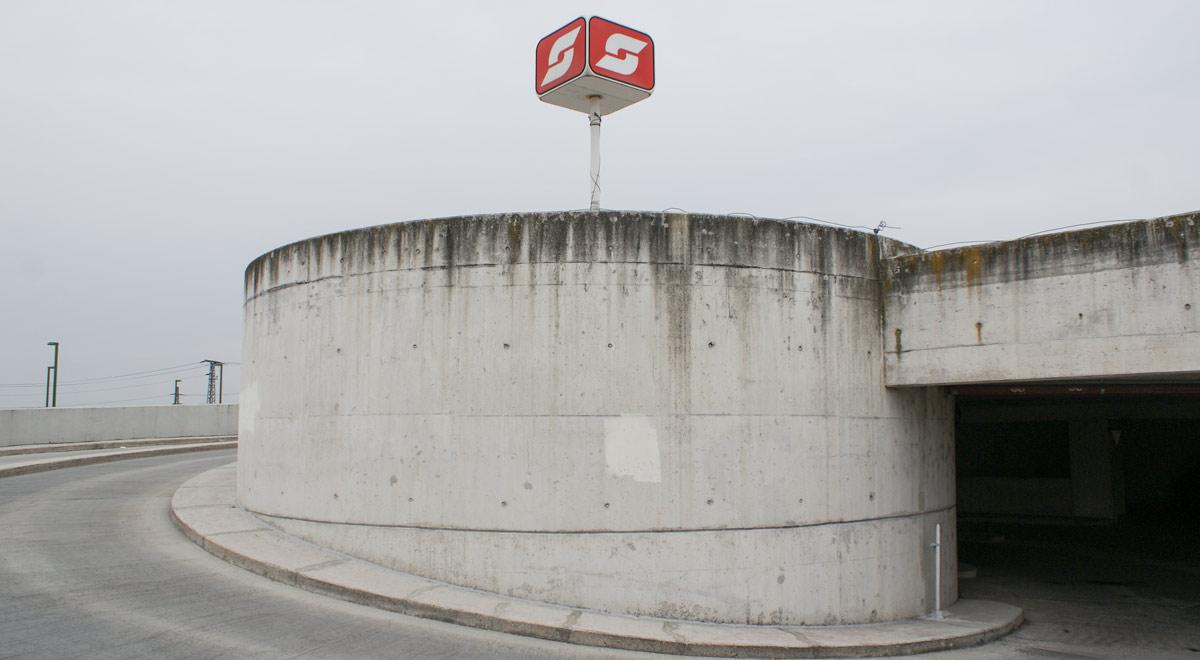 ÖBB-Parkdeck Wiener Neustadt / Foto: wn24 / Robert Mayer