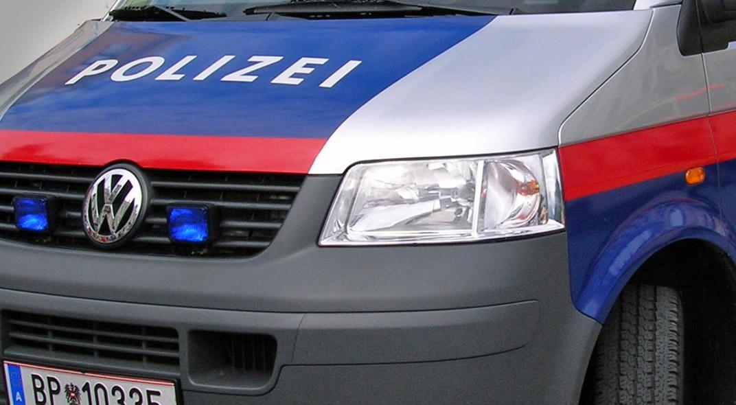 Polizeifahrzeug / Foto: Jürgen Lehmann, wikimedia (CC BY-SA 3.0)