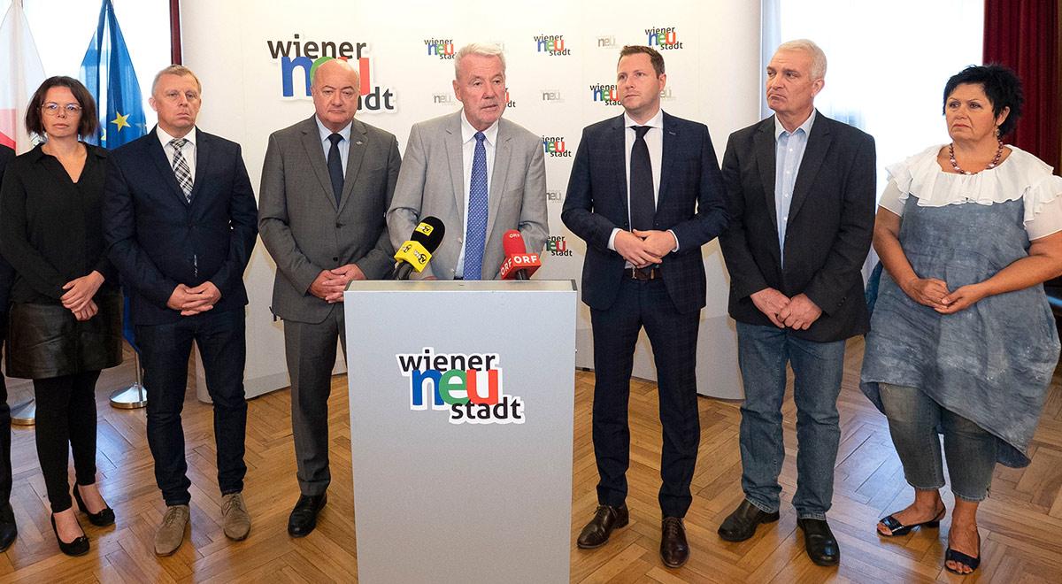 Pressekonferenz Schließung Müller / Foto: Wiener Neustadt/Weller