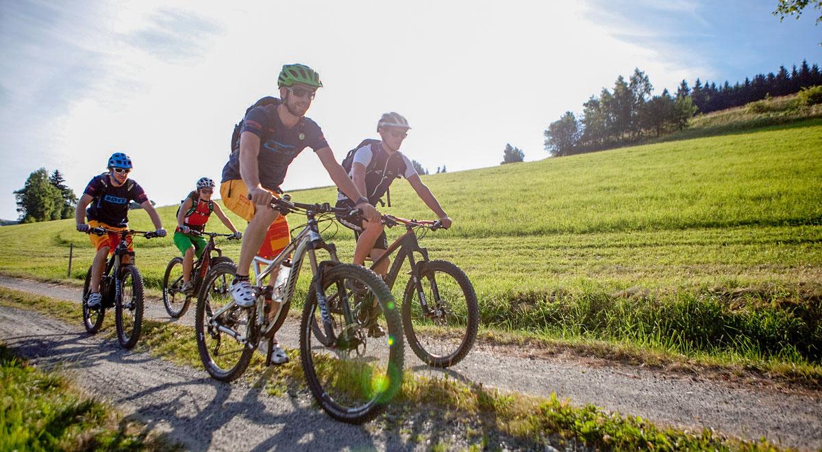 Radfahren Wiener Alpen / Foto: ©Wiener Alpen/Thomas Bartl, mountainbikeguides.com