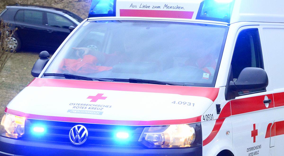 Blaulicht Rotes Kreuz / Foto: Pressestelle BFK Urfahr-Umgebung (CC BY 2.0)