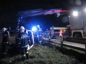 Fahrzeugbergung / Foto: Presseteam d. FF Wr. Neustadt