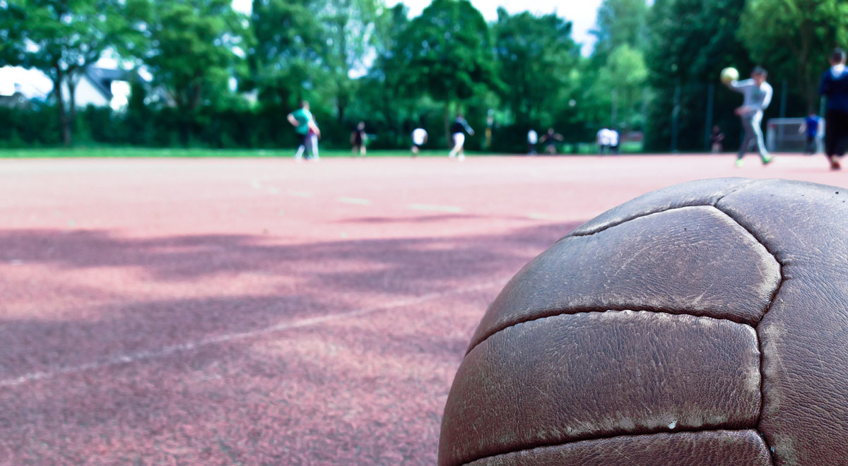 Ballspielplatz Flugfeld / ©  Jan Claus / pixelio.de