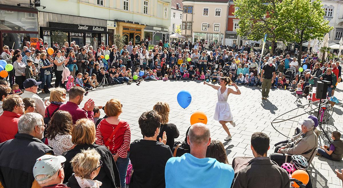 Strassenkunstfestival am Hauptplatz / Foto: ©Christian Prenner