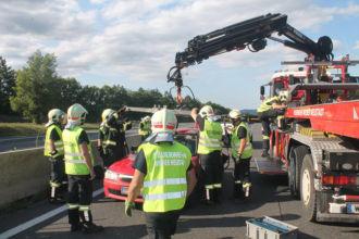 Unfall bei Leobersdorf / Foto: Presseteam ffwrn.at