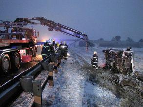 Unfall mit Pritschenwagen / Foto: Presseteam Feuerwehr Wr. Neustadt