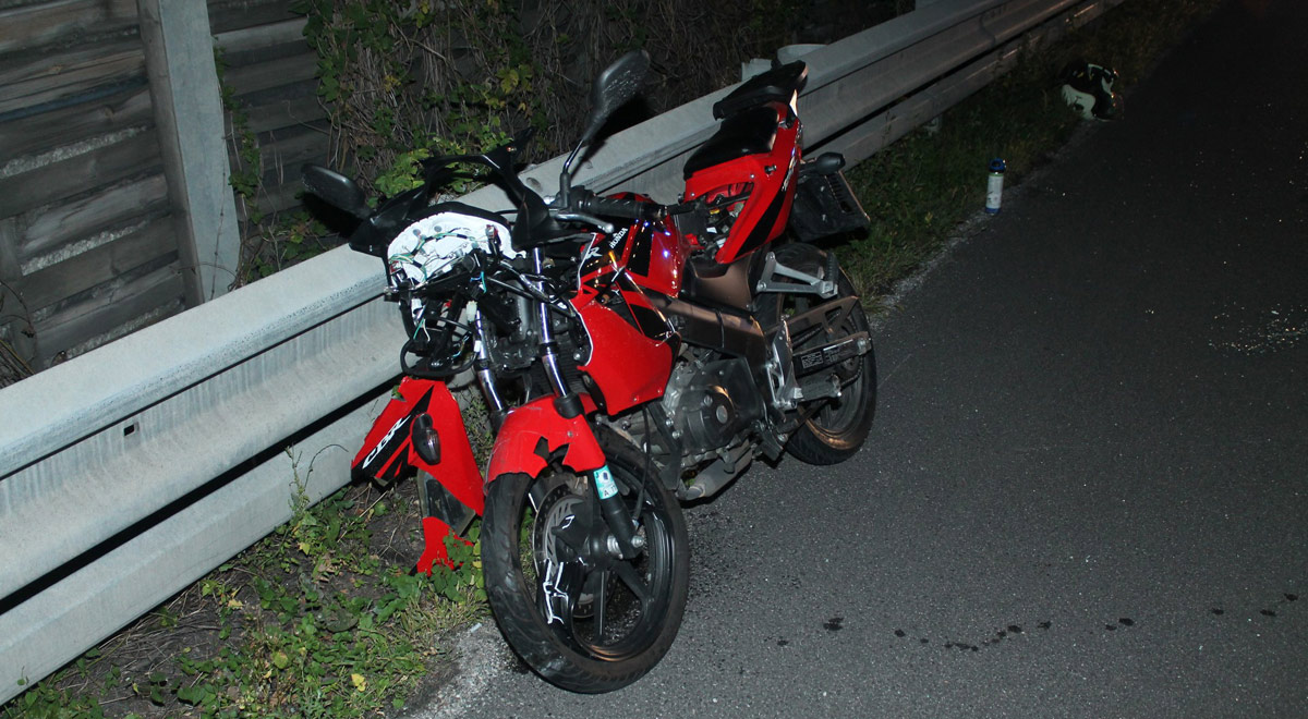 Unfall mit Motorrad / Foto: Presseteam Feuerwehr Wiener Neustadt