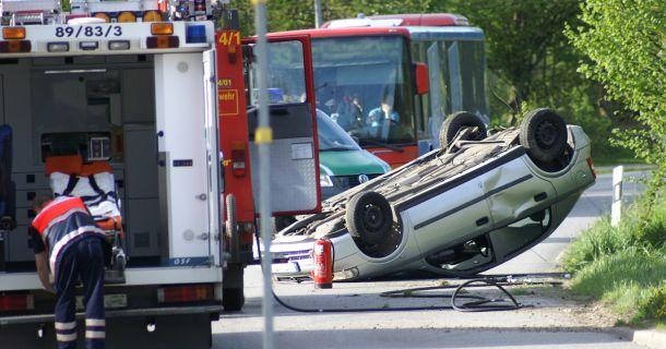 Foto: Verkehrsunfall Fahrzeugueberschlag