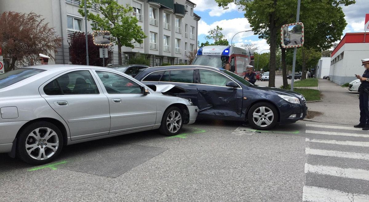 Verkehrsunfall Gymelsdorfergasse / Foto: RKNÖ / C.Röhrer