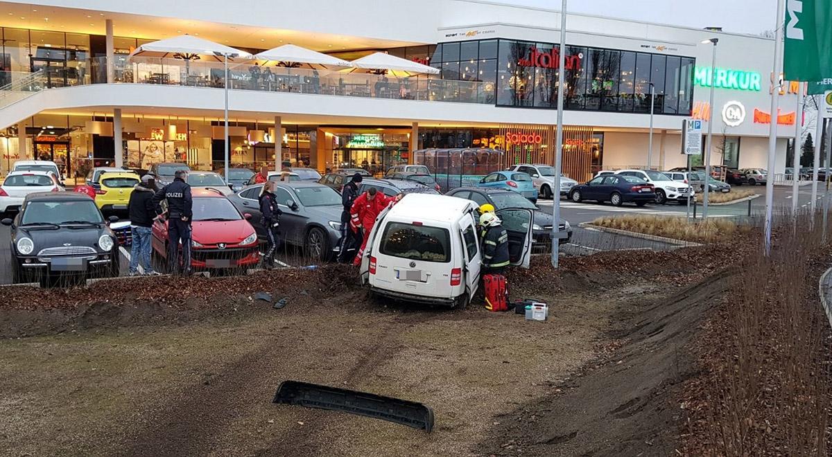 Verkehrsunfall-Merkurcity-Wiener-Neustadt - WN24 / Wiener Neustadt ...