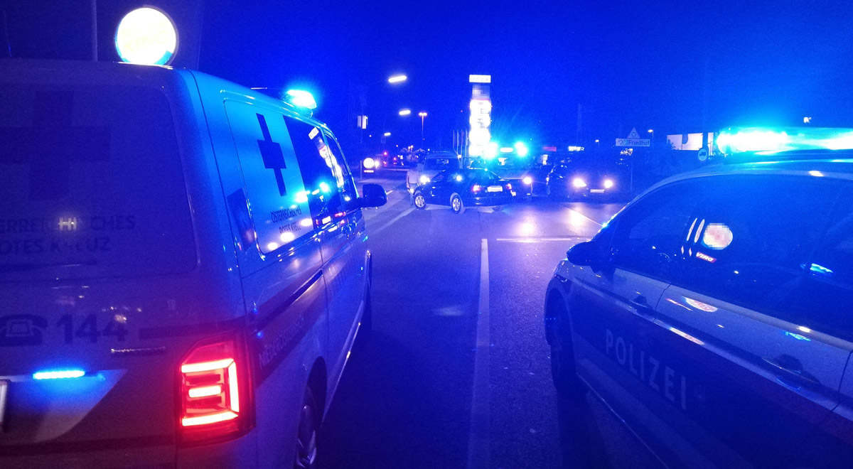 Verkehrsunfall Stadionstrasse / Foto: RKNÖ / K.Hofbauer