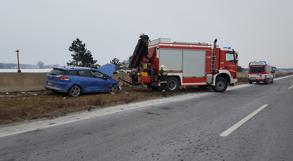 Verkehrsunfall Bergung / Foto: Presseteam Feuerwehr Wiener Neustadt