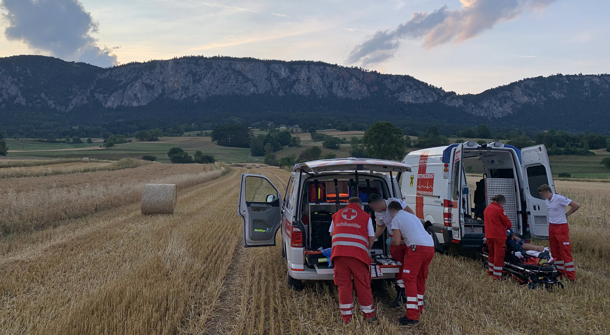 Verletzter Paragleiter / Foto: RKNOE / C. Röhrer