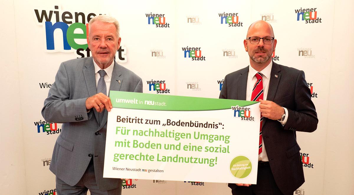 Beitritt der Stadt zum europäischen Bodenbündnis / Foto: Stadt Wiener Neustadt/Weller