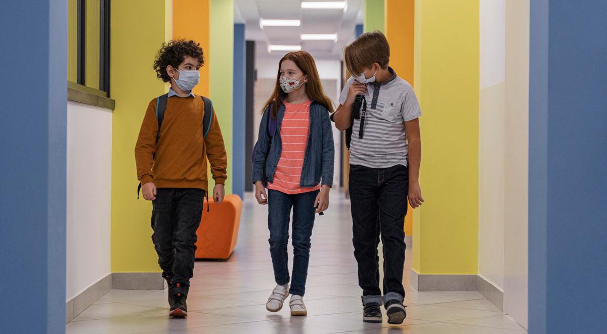 SchülerInnen in der Pandemie / Foto: freepik