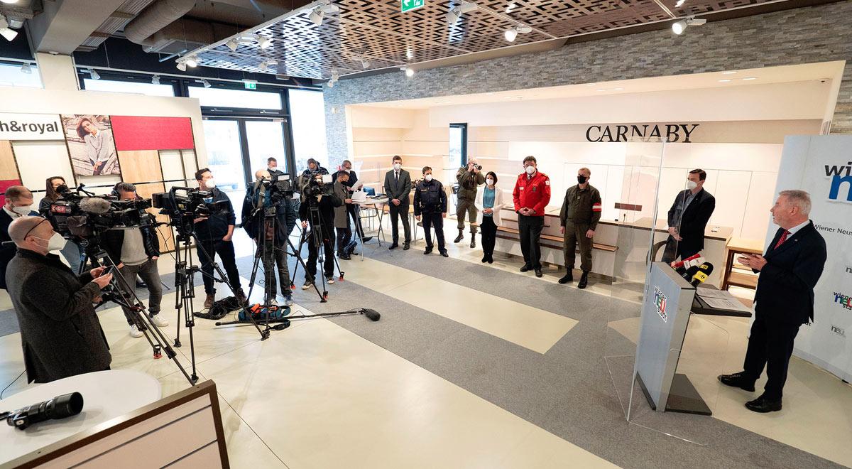 """Pressekonferenz zur """"Hochinzidenzverordnung"""" / Foto: Stadt Wiener Neustadt/Weller"""