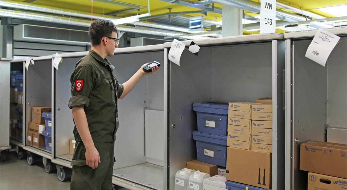 Soldat im Logistikzentrum / Foto: ©Landesklinikum Wiener Neustadt