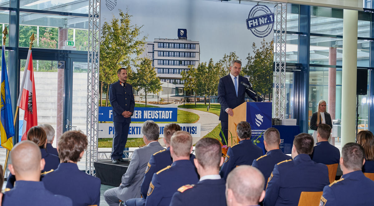 Nehammer gratulierte neuen BMI-Führungskräften / Foto: ©  BMI/Karl Schober