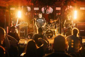 rock metal open air / Foto: ©busyshutters