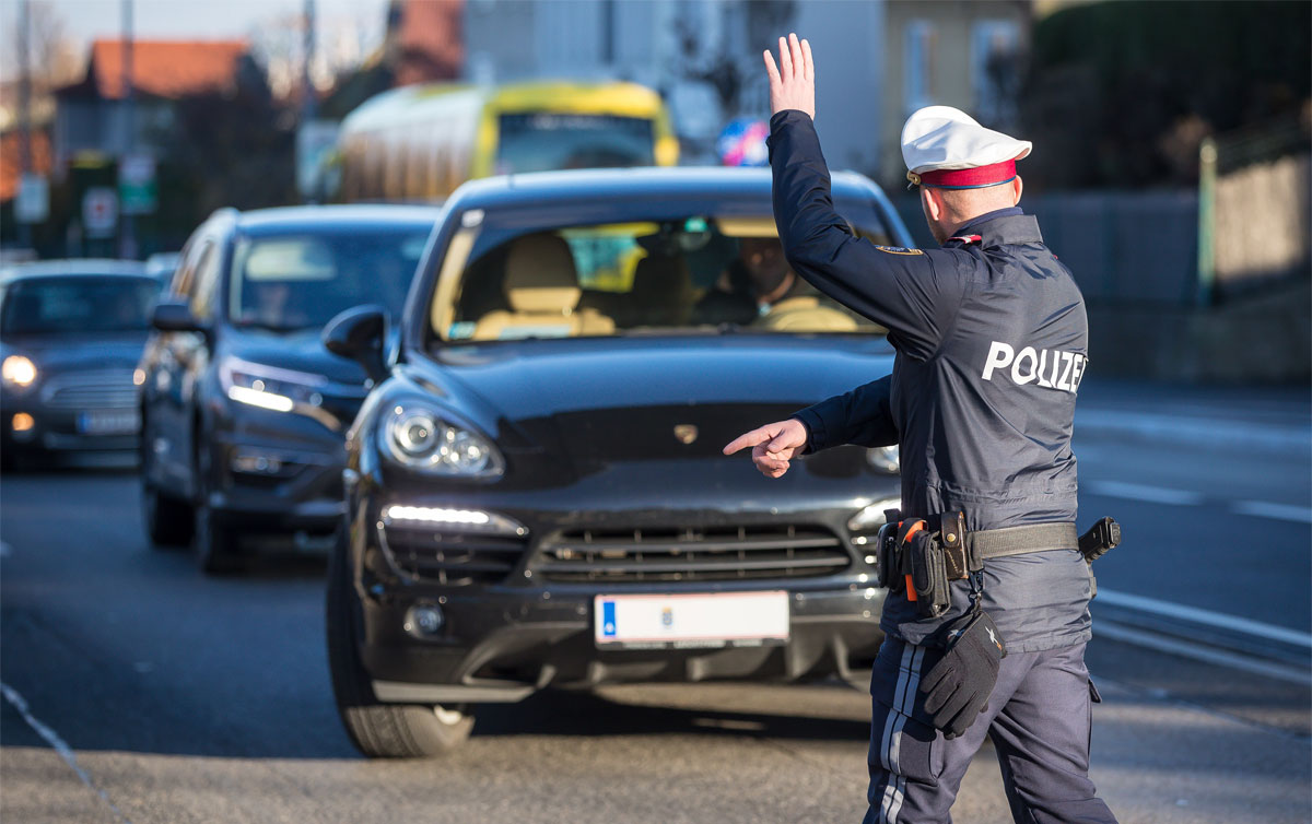 Verkehrskontrolle der Polizei / Foto: ©  BMI/Gerd Pachauer
