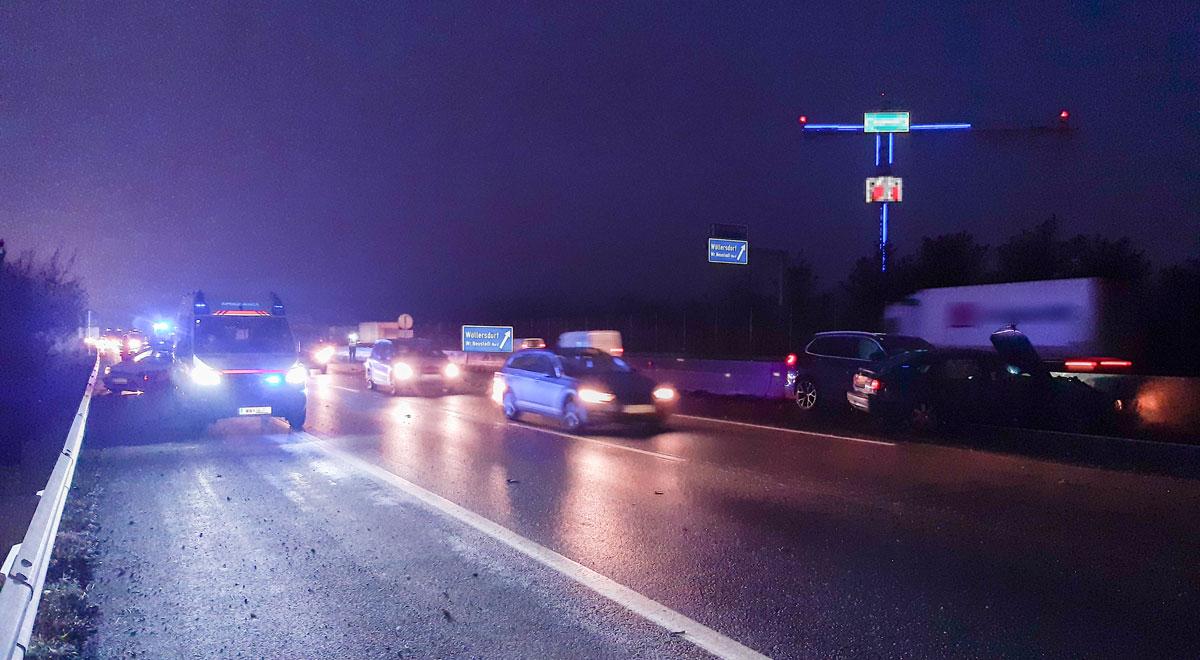 Verkehrsunfall bei Wöllersdorf / Foto: RKNÖ/T.Hackl